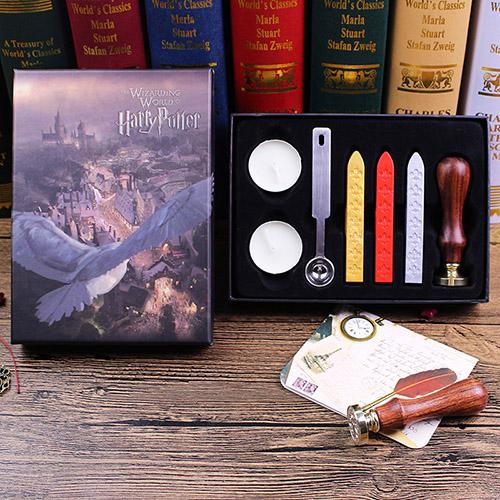 Cire avec tampon et bougies Harry Potter emballés dans une boîte Harry Potter