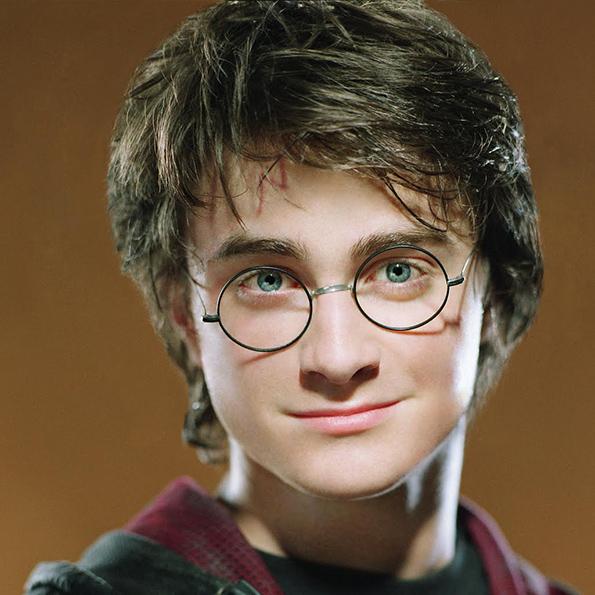 Harry Potter - Photo de face - A découvrir sur Wingardium Leviosa