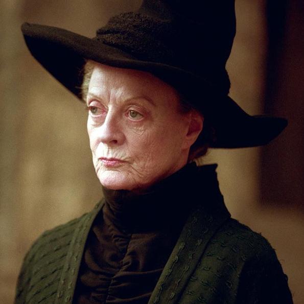 Minerva McGonagall - De trois quart - A découvrir sur Wingardium Leviosa