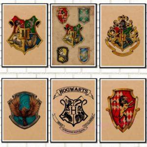 Affiches Harry Potter encadrées sur un mur