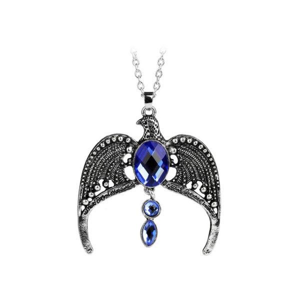 collier harry potter fumseck phénix avec des perles bleus sur fond blanc