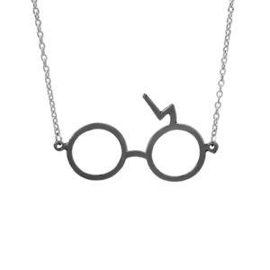 collier harry potter lunettes éclair gris foncé sur fond blanc