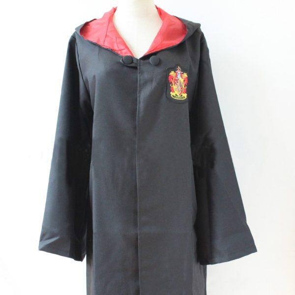 Déguisement Harry Potter - cape Gryffondor sur fond blanc
