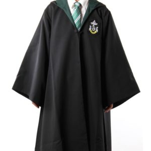 Déguisement Harry Potter - cape Serpentard sur fond blanc