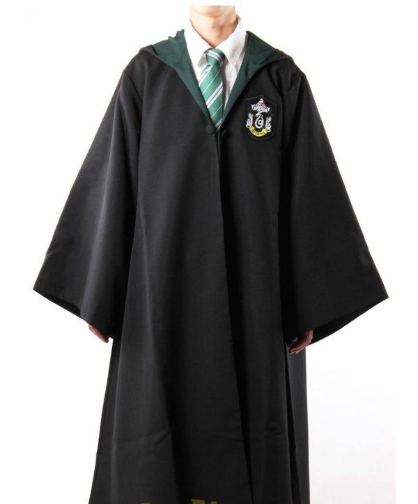 Déguisement Harry Potter - cape Serpentard sur fond blanc