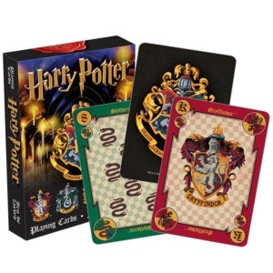 Jeux de cartes Harry Potter sur fond blanc