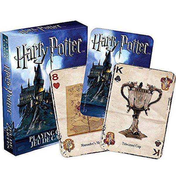 Jeux de cartes Harry Potter avec les symboles emblématiques du film sur fond blanc