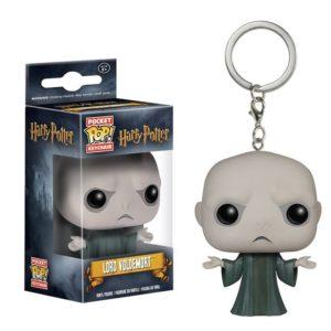 Porte-clés Lord Voldemort dans sa boîte figurine POP sur fond blanc