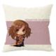 Taie d'oreiller avec une image de Hermione Granger avec son nom sur un coussin
